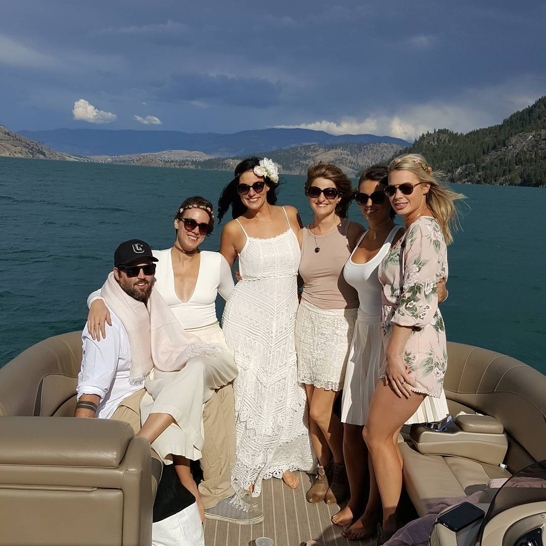 Vines & Views Boat Tours offers a great option for Stag & Stagette Boat Tours