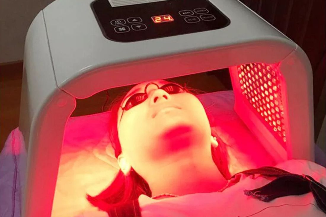 LED Light Therapy facial Creativity Reading