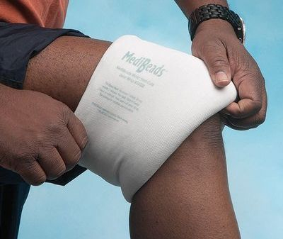 Heat pack provides penetrating moist heat to soothe aching muscles and joints.