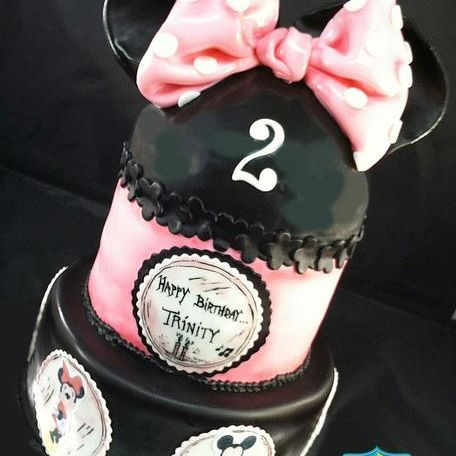 Custom Minnie Mouse & Friends Cake Milwaukee