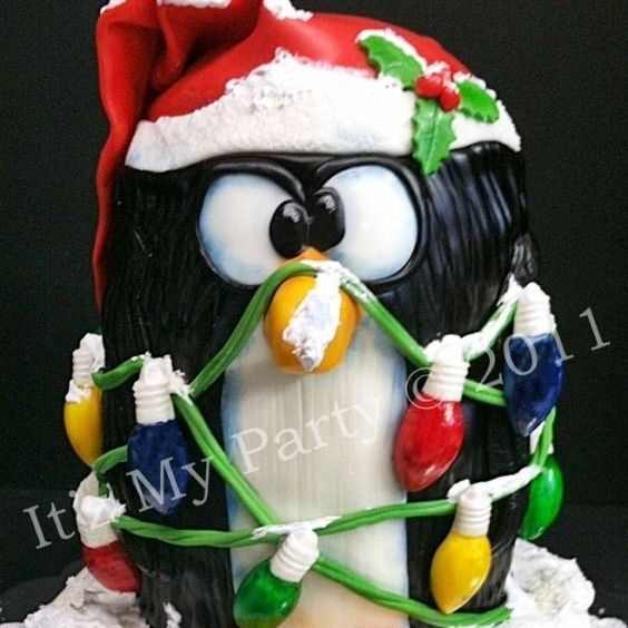Penguin Christmas Dimensional Cake Milwaukee