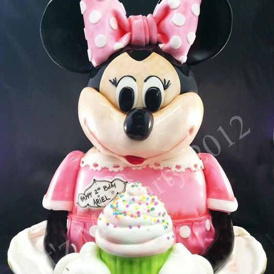 MInnie Mouse Cupcake Dimensional Cake Milwaukee