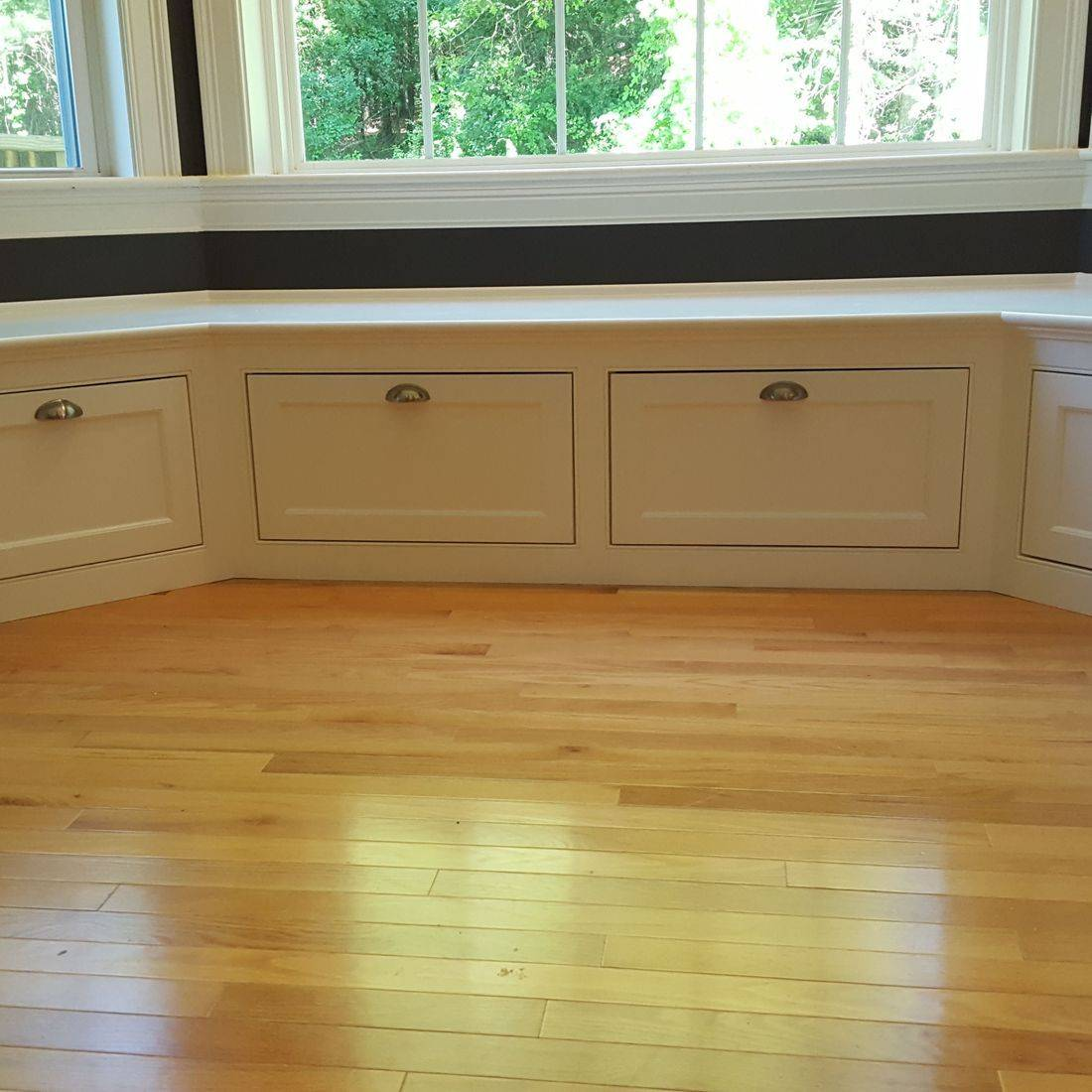 breakfast nook window seat bench storage