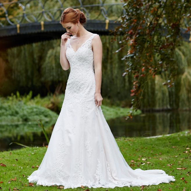 Lace ivory wedding dress