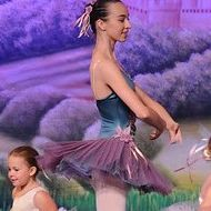 Our INB dancer are fabulous role models for our tiny dancers!