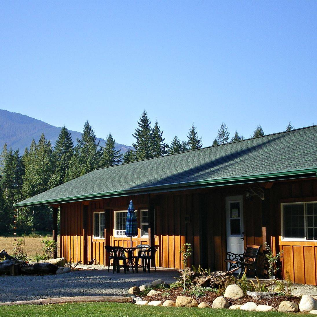 Log cabins in Concrete, lodging, hotels, North Cascades