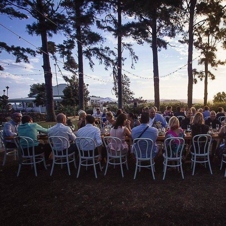 Byron View Farm outdoor dining