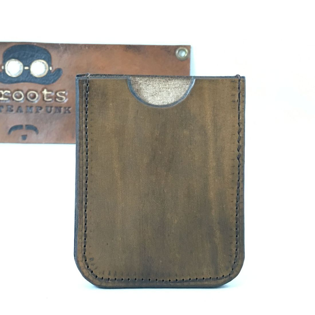 Single slot wallet