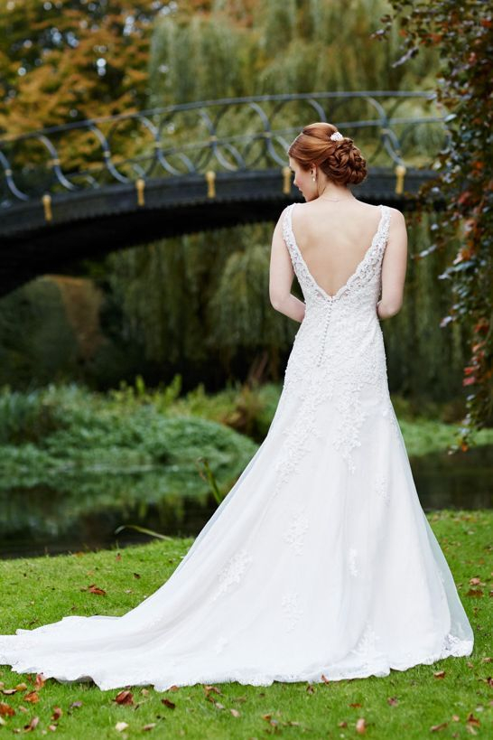Bride, berkshire,weddingdress,lacebrides dress,