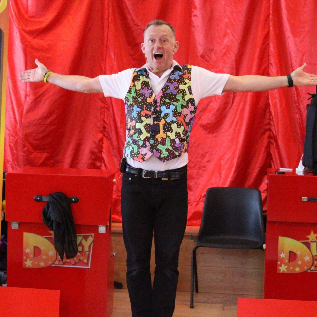 Amazing Magic show today at Henley on Thames with Dizzy Deans Magic
