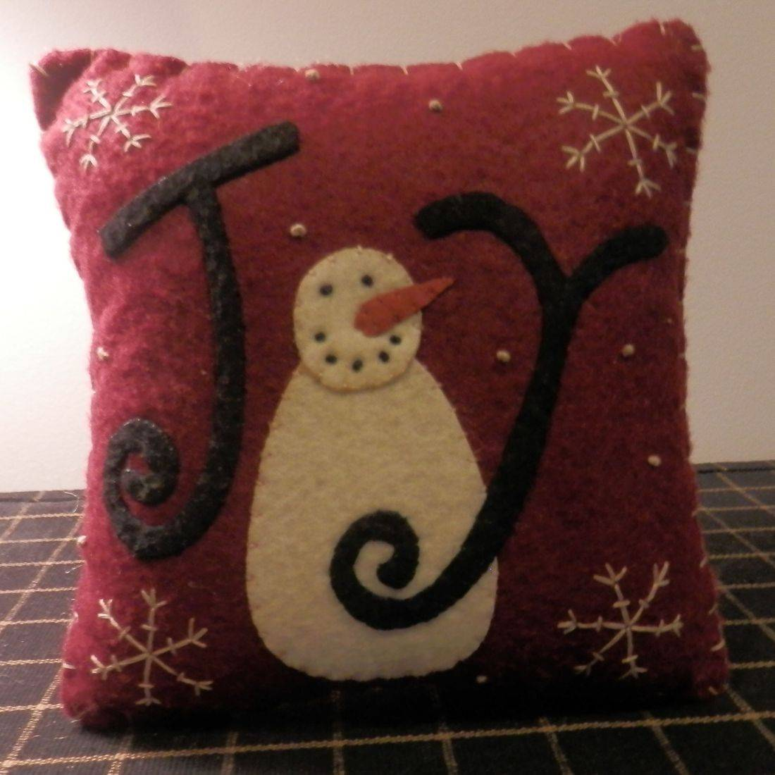 Primitive stitched snowman mini pillow