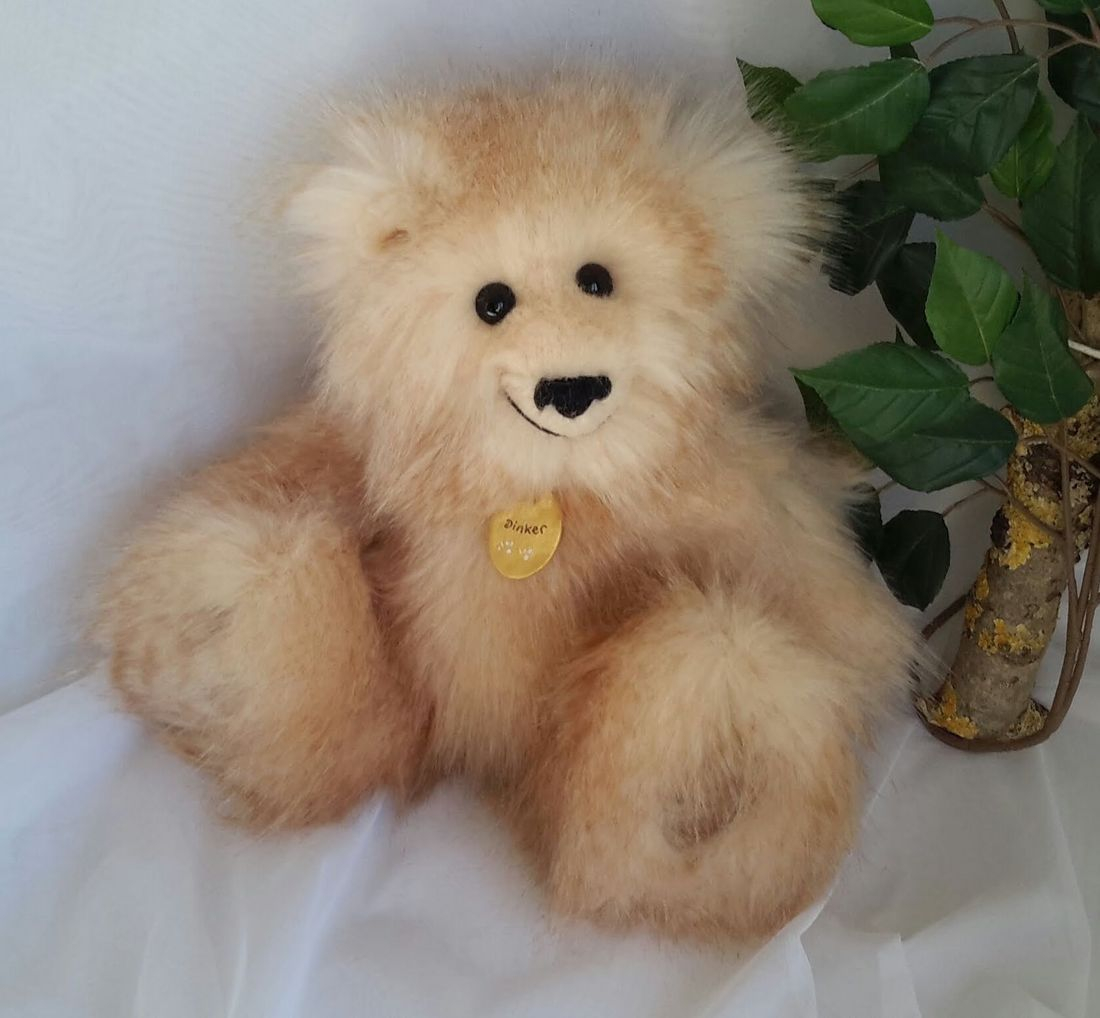 Fluffy, cuddly bear, Dinker, individual, hand made