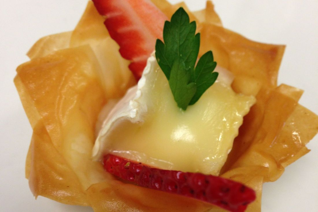 Brie phyllo cups are crunchy and delicious