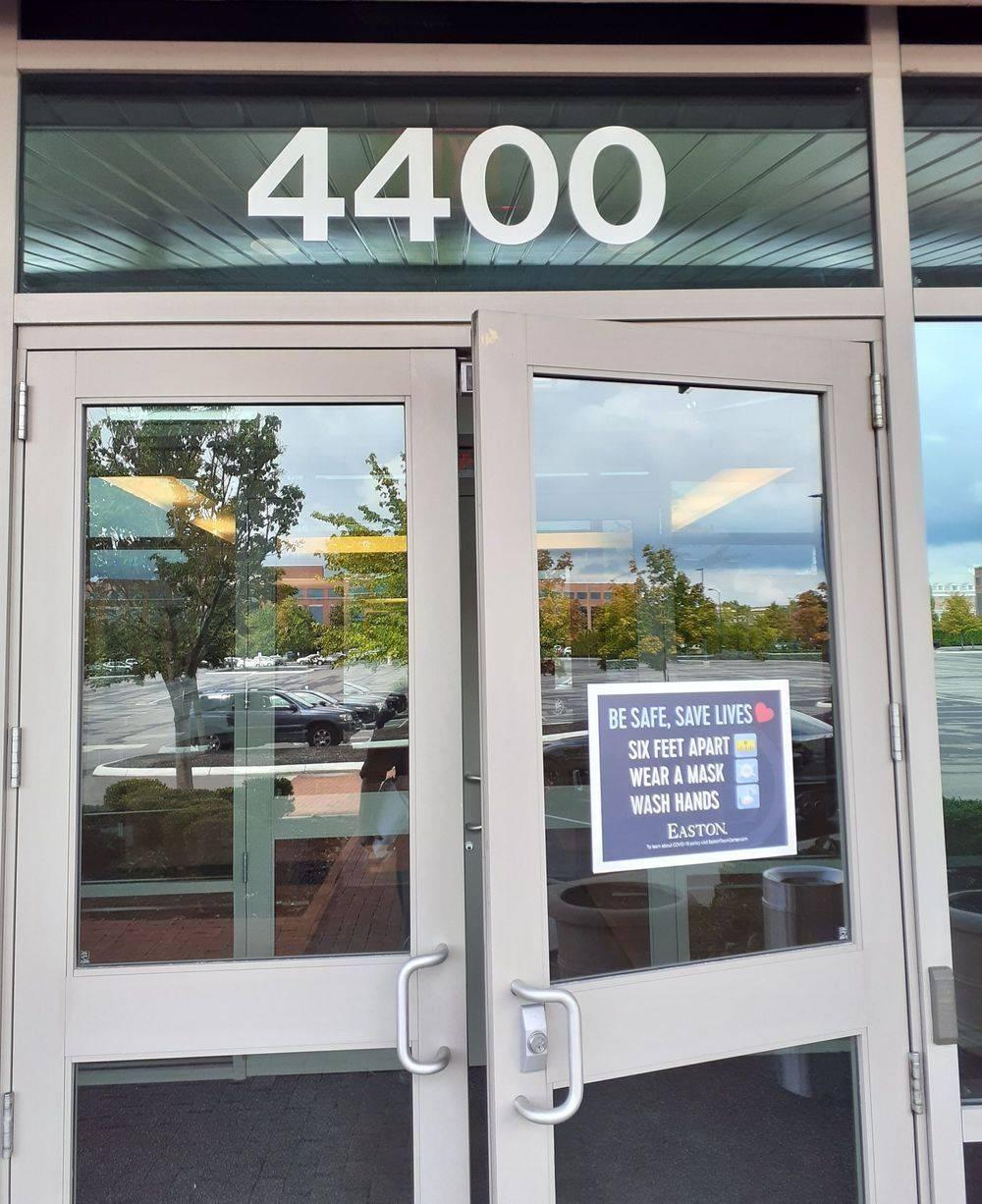 Ohio Process Server Delivering Subpoena to CT Corporation 4400 Easton Commons, Suite 125, Columbus, Oho 43219
