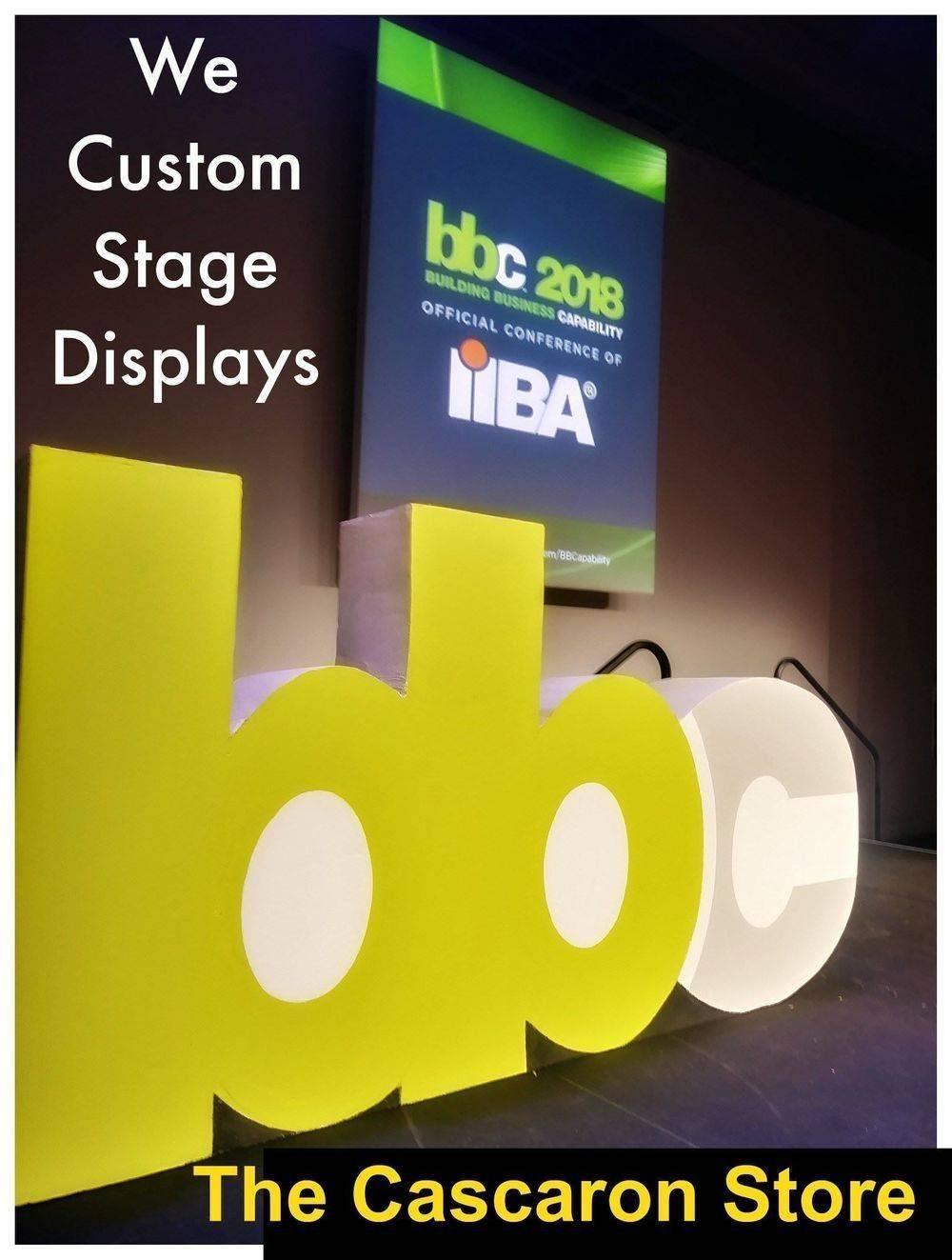 marketing large display props