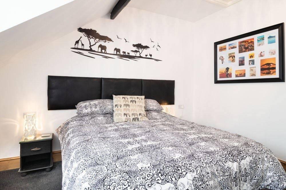 https://www.tripadvisor.co.uk/Hotel_Review-g528807-d3965758-Reviews-Ashford_Guest_House-Bridlington_East_Riding_of_Yorkshire_England.html