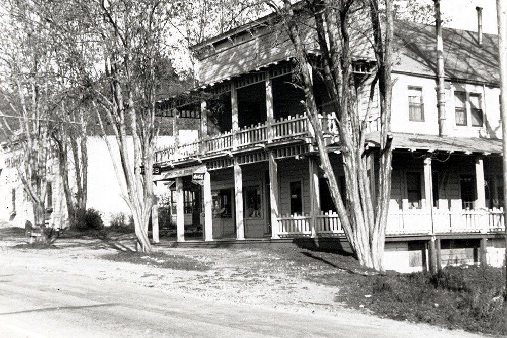 ghost Felton haunted Cremer House