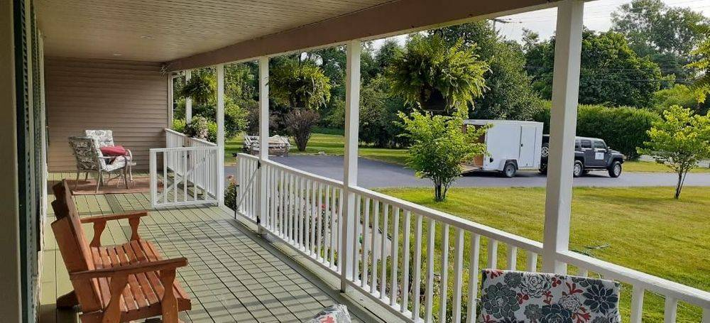 Clean, seal and maintain your deck with an uplift!