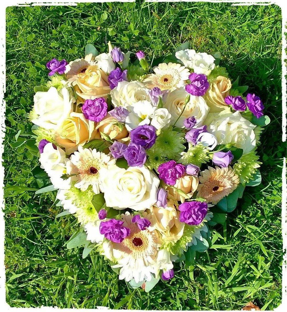 Funeral Sympathy Flowers Heart Tribute Sudbury Suffolk Florist Susan Jane May
