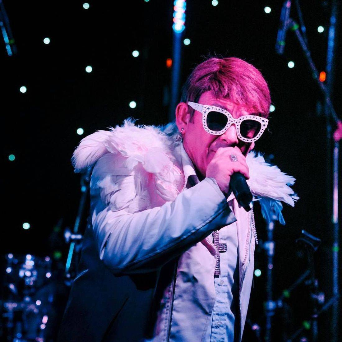 Elton John Tribute act  Andy Crosbie  Rocketman ! uK nO1