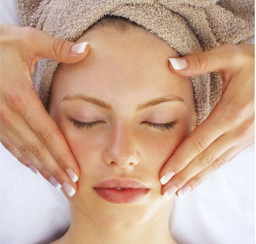 A Signature facial is every thing what you need in a facial.