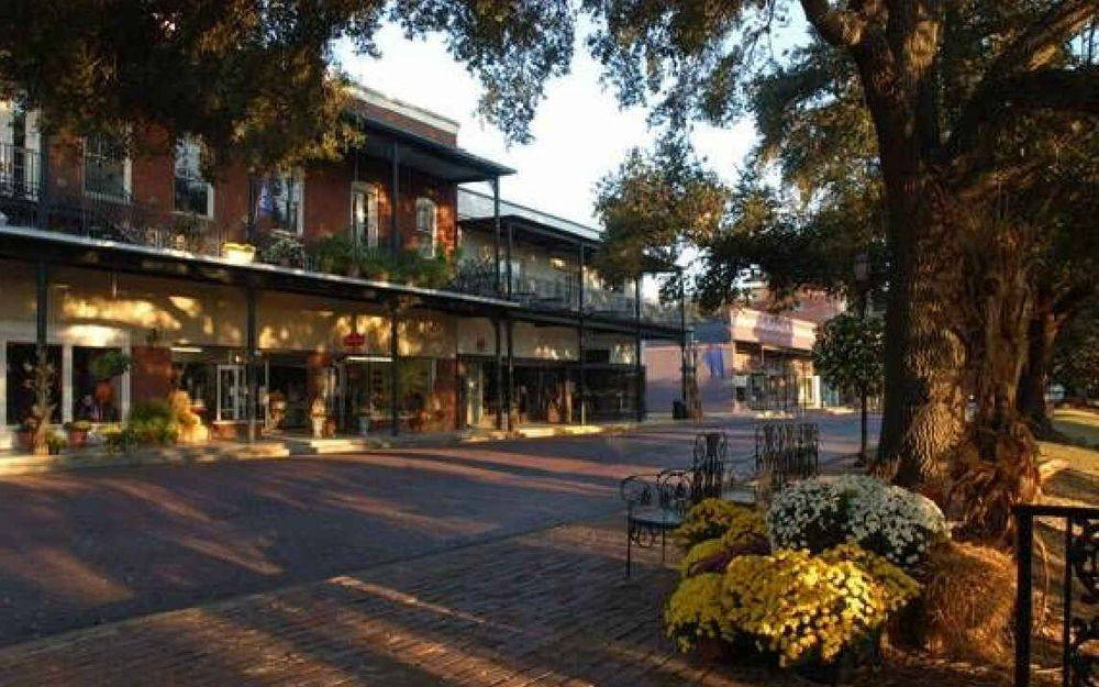 Historic, brick streets, shops, benches, flowers, tours, cane river