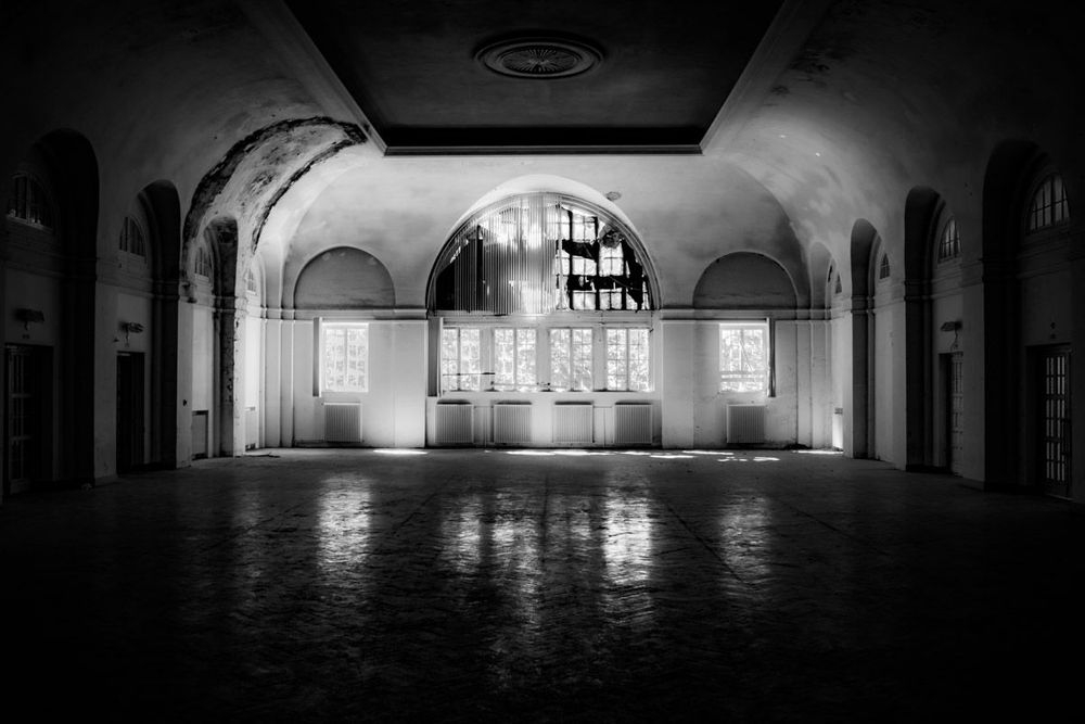 Stieven Rogiers Photography Dancehall Fine Art Black and White picture