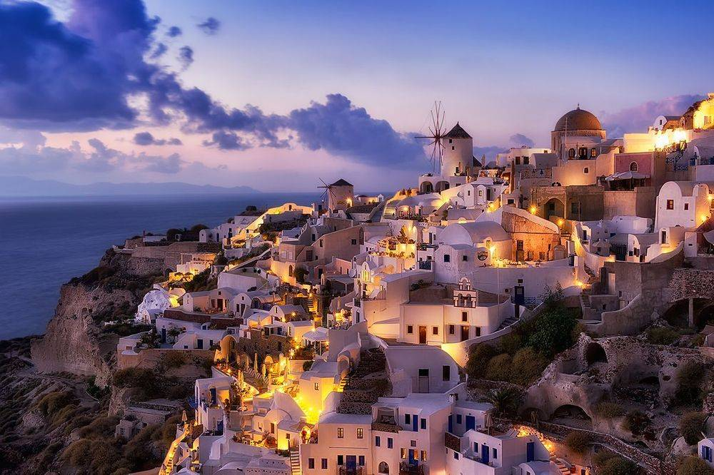 Greece, EU Mull Ways to Save Tourism from Catastrophe