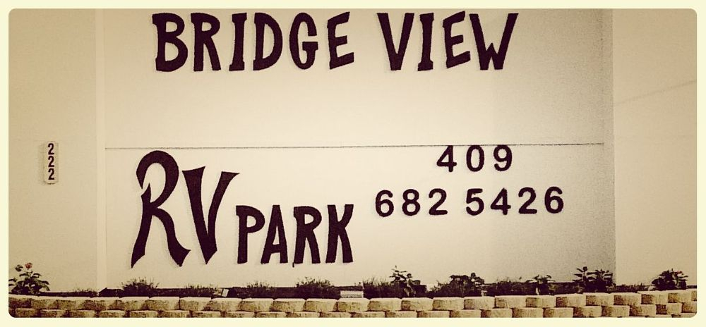 Bridgeview rv park Sign