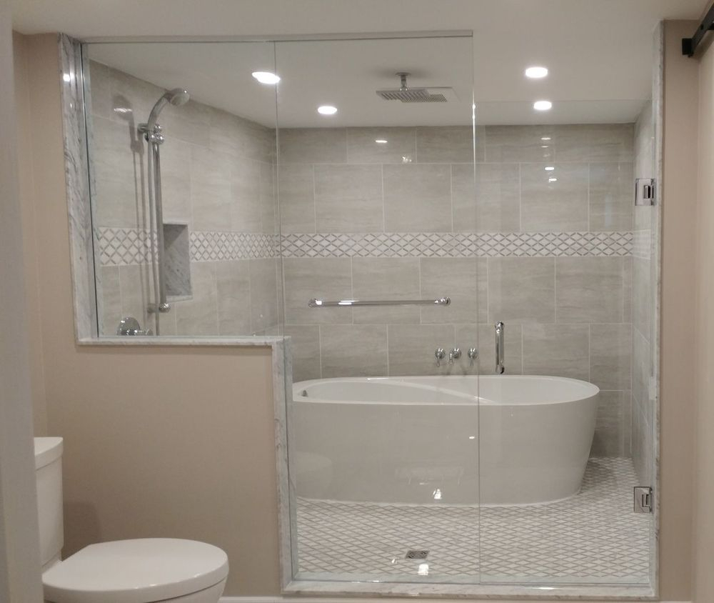 Beautiful Custom Glass Shower with Bathtub in Shower, Port Perry