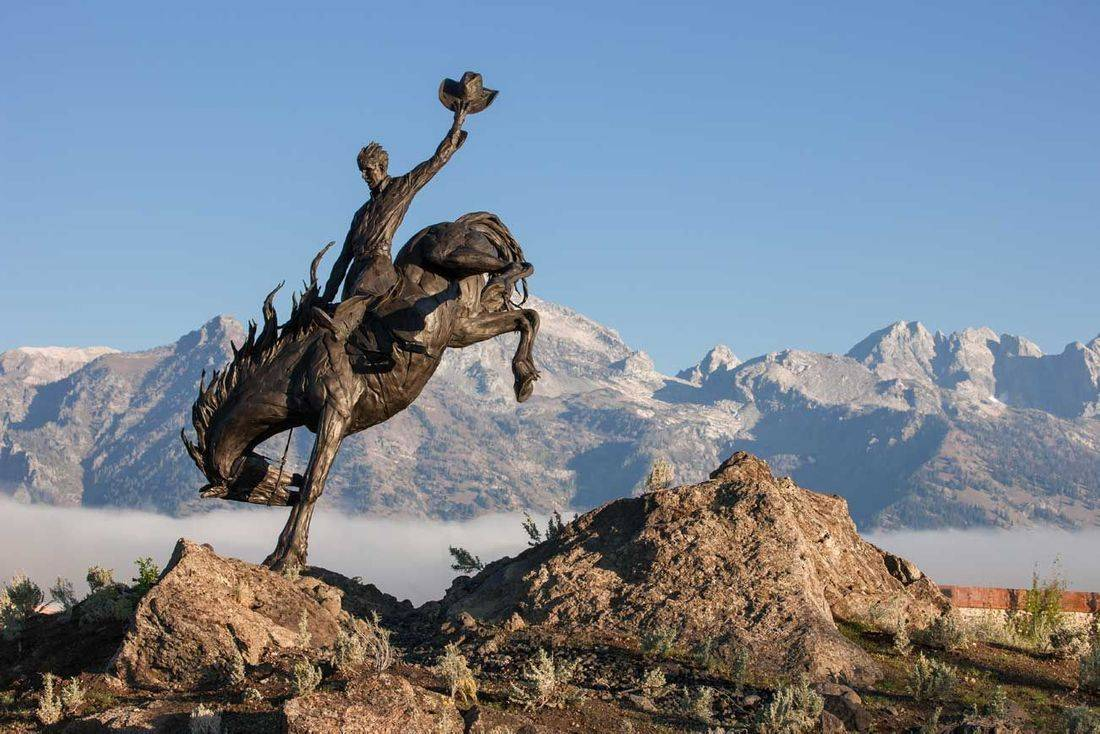 Jackson Hole Car Service, We provide service to Jackson, Teton Village and surrounding areas in Wyoming