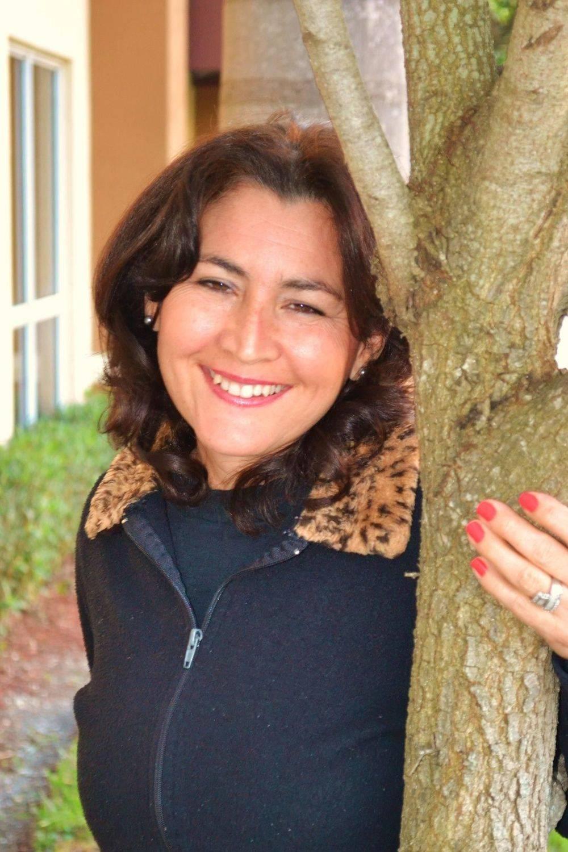 Juanita Morales Bilingual - English - Spanish