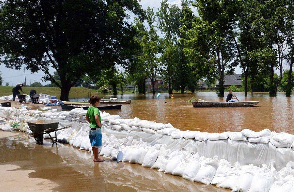 flood, Red River, sandbags, boats, storms