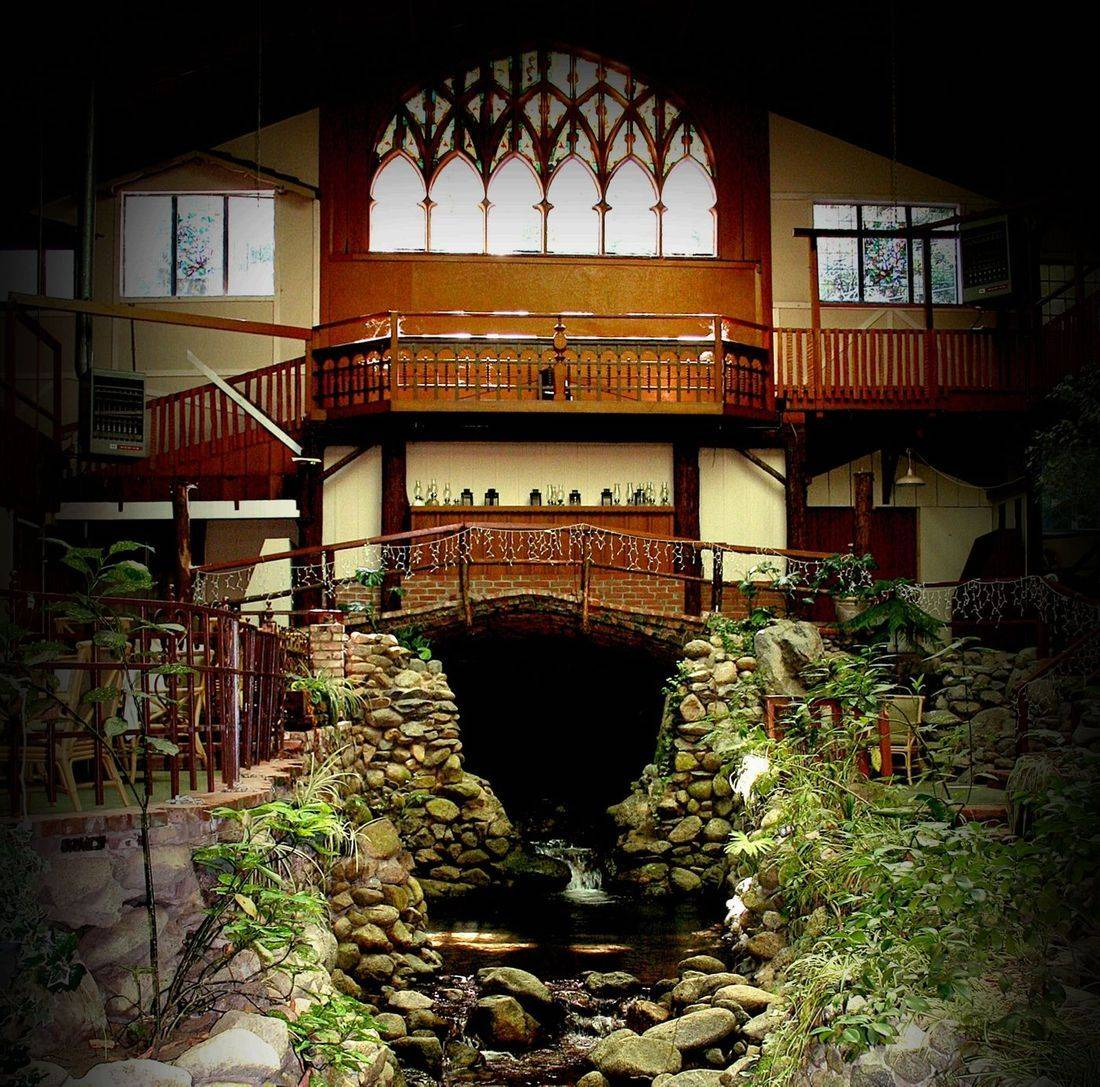 The Haunted Brookdale Lodge, haunted hotel, sarah logan, brookroom