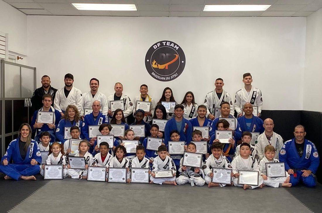 We provide to our  members all the benefits of our art through the routine and daily practice of Jiu Jitsu.  Classes for KIDS (4 to 8 years old), TEENS (9 to 16 years old)  and adult all levels. Jiu Jitsu is a beautiful art, and we have a vision of how it should be taught as a means for individual development going beyond the competitive realm.