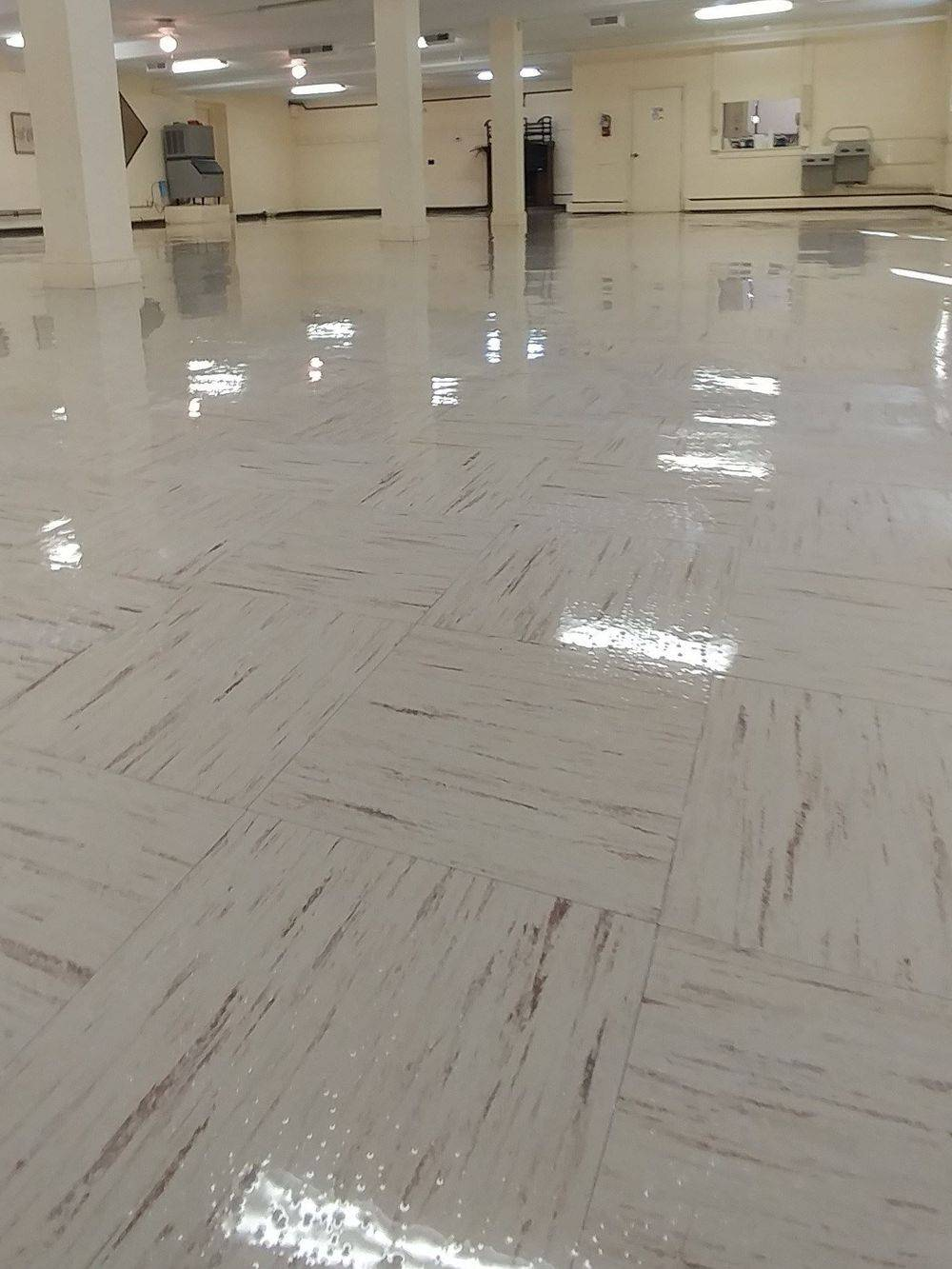 VCT Cleaning, Commercial Cleaning, Hardfloor Cleaning