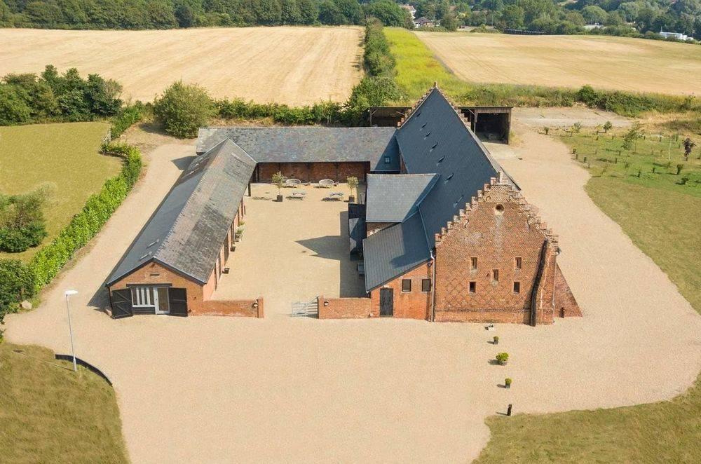'little tey barn'