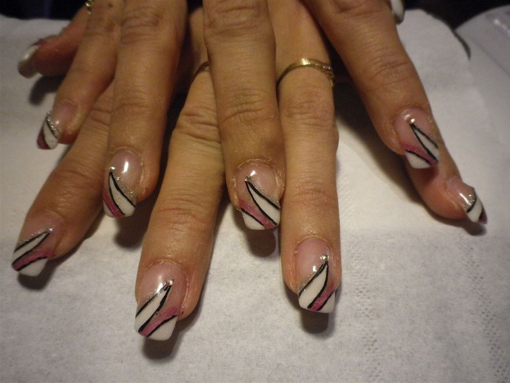exemple de décors d'ongles en gel