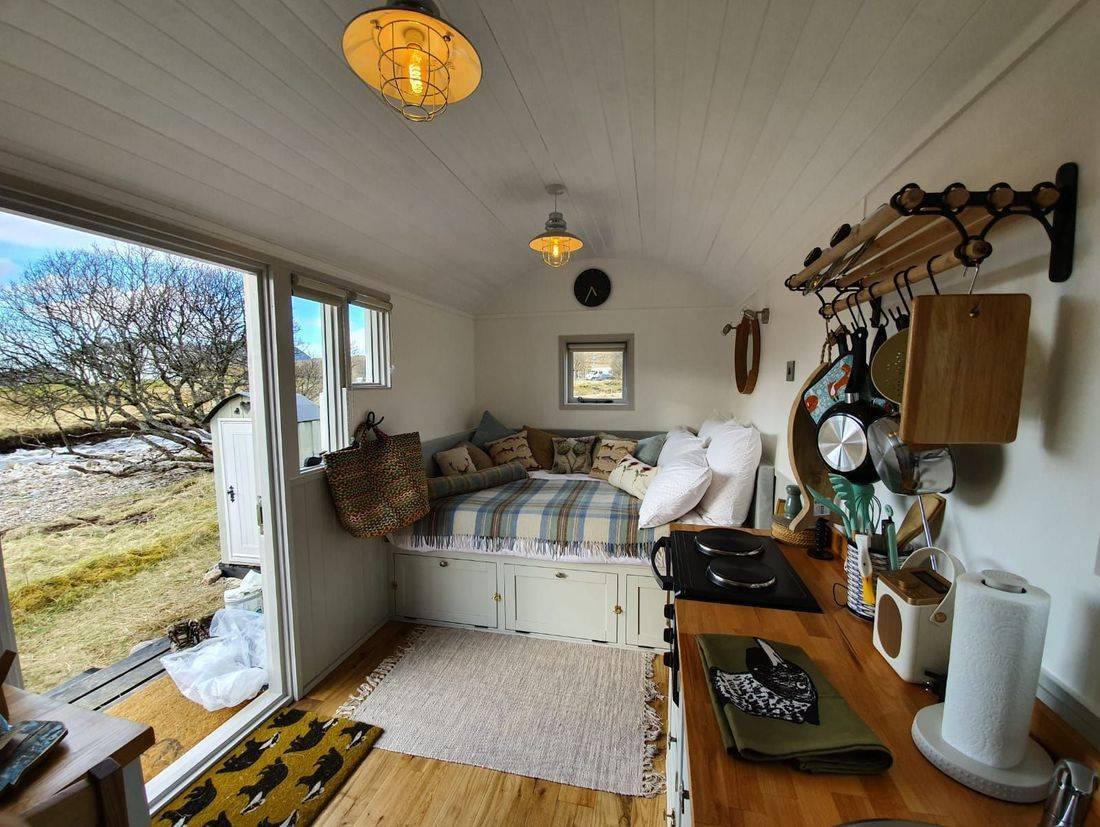 Shepherds Hut with fixed double bed for superior comfort
