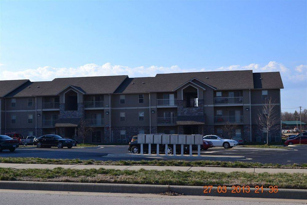 DSC 0494.JPG is a photo of the Golden Pond Apartments on Golden and Republic in Springfield Mo.