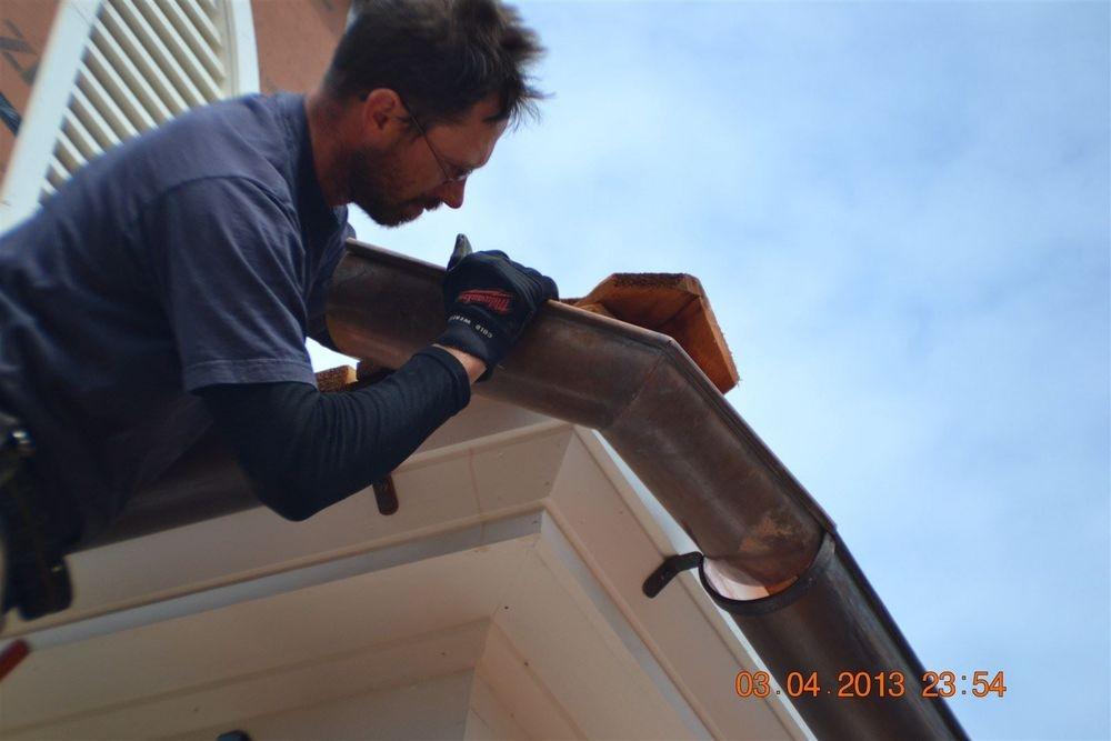 Putting together copper guttering