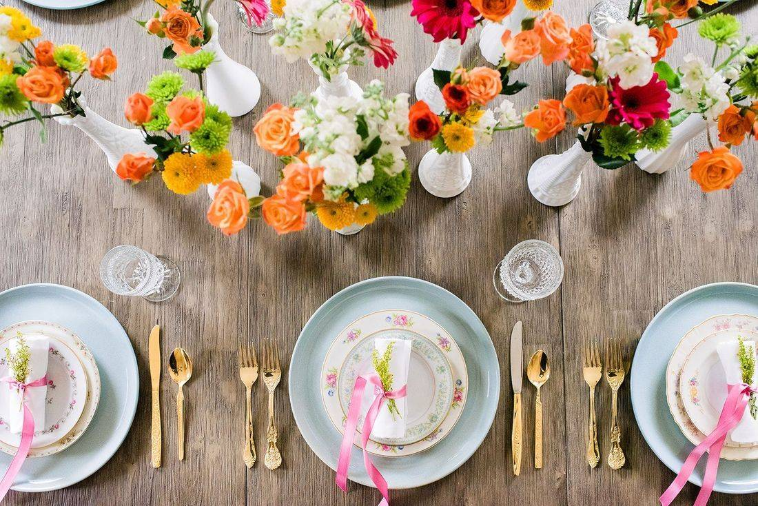Spring wedding reception, spring table setting, spring floral centerpieces, reception table, reception decor