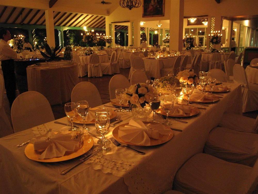 Decore Option - Long Table Weddings Nicaragua www.WeddingsNicaragua.com