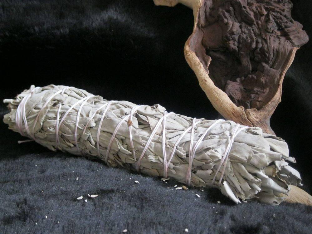 Sage, Cedar, Lavender, Smudge, Smudging, smudges bundles, smudge sticks, incense, incense sticks, incense wands