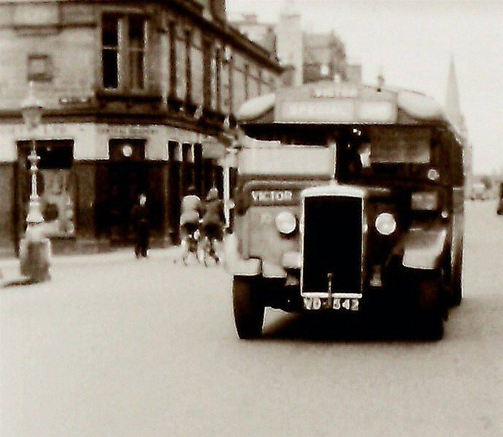 Victor Bus Vale of Leven Fountain