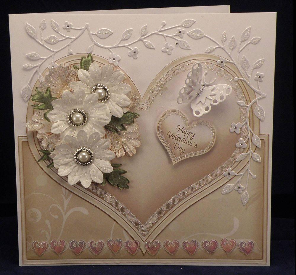 Cream Daisies Heart  cup496828 425