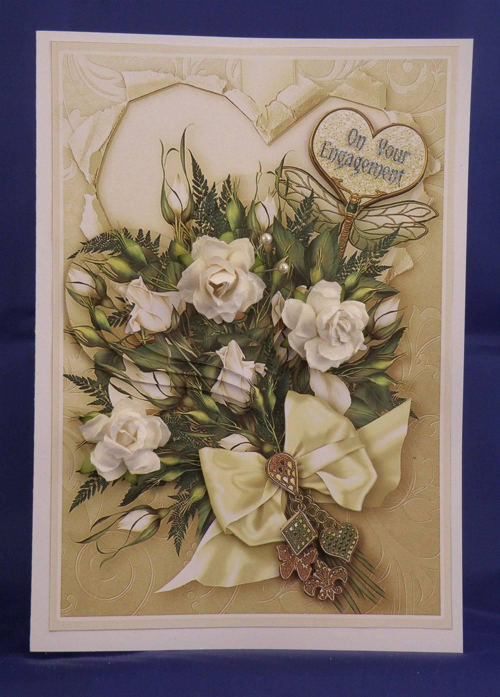 Cream Roses Heart Bouquet