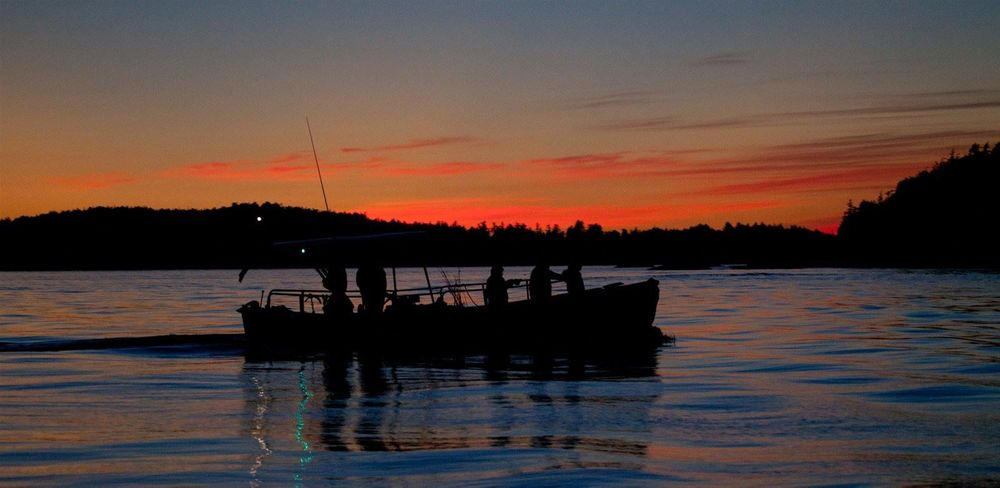 Sunset cruise picture of 'KLECO' courtesy of Wayne Barnes.