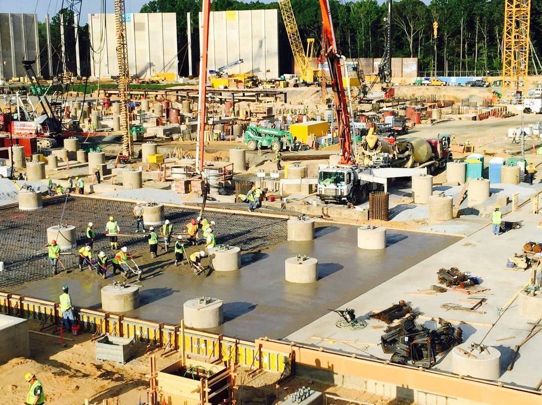 placing concrete liquefaction slab