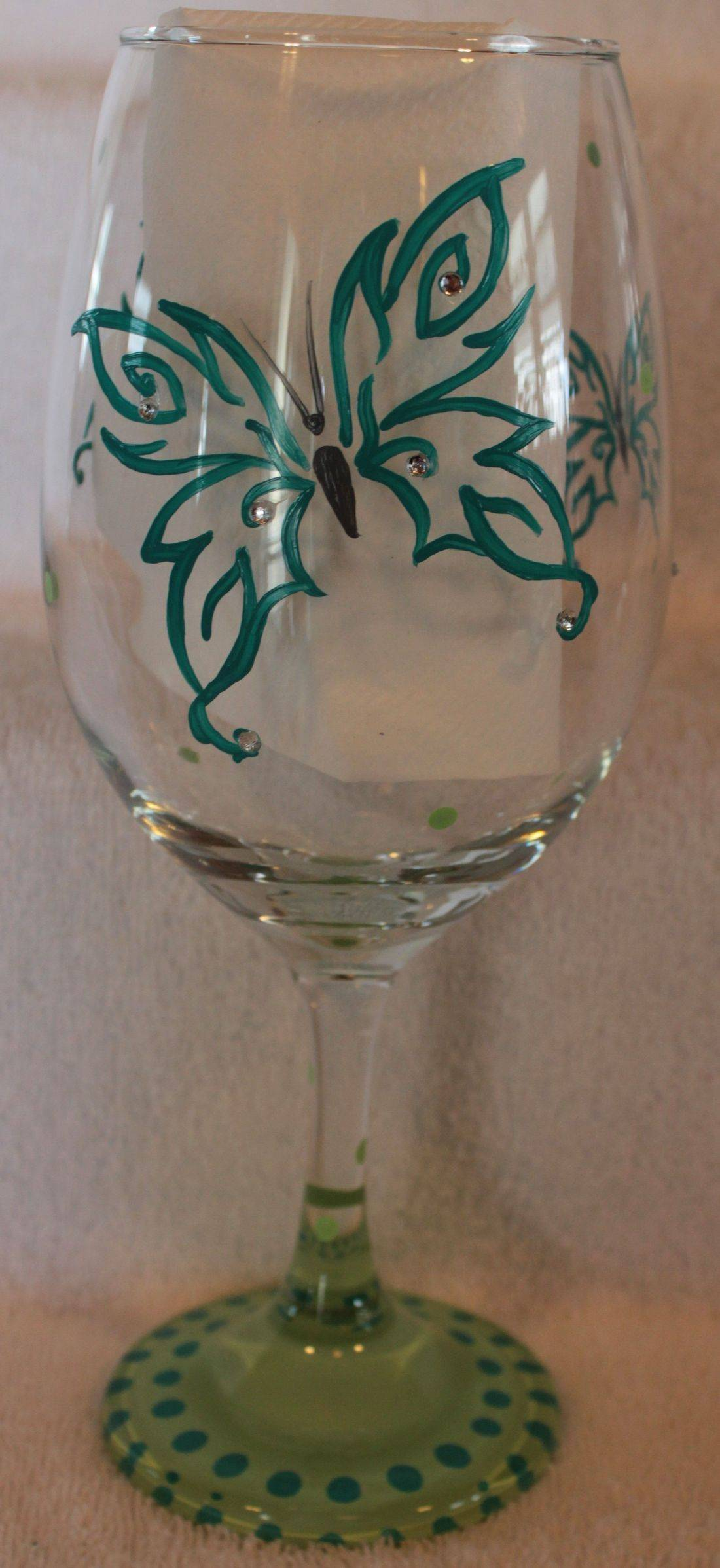 swirl butterfly wine glass, butterfly glass, butterfly wine glass